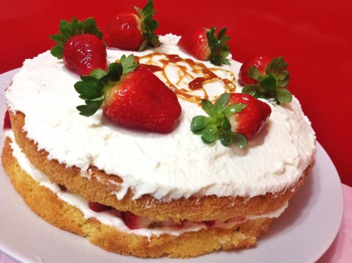 Pietro.Wordpress.Naked Cake.Pão de lo verdadeiro_Morango e Chantilly de creme de leite fresco (2)