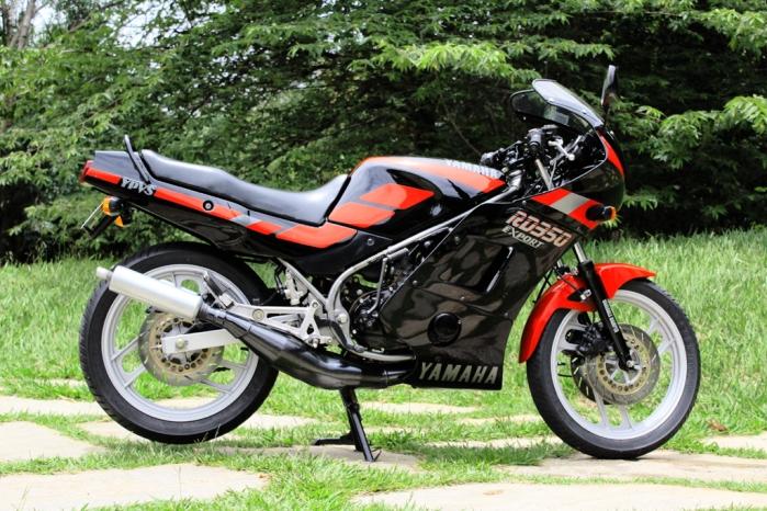 1.PietroDuarte_Motocicletas_Yamaha_RD350cc (69).1