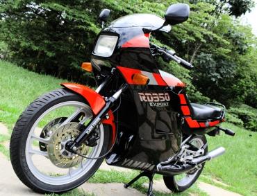 PietroDuarte_Motocicletas_Yamaha_RD350cc (14).1